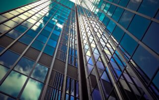 pulizia di vetri e vetrate